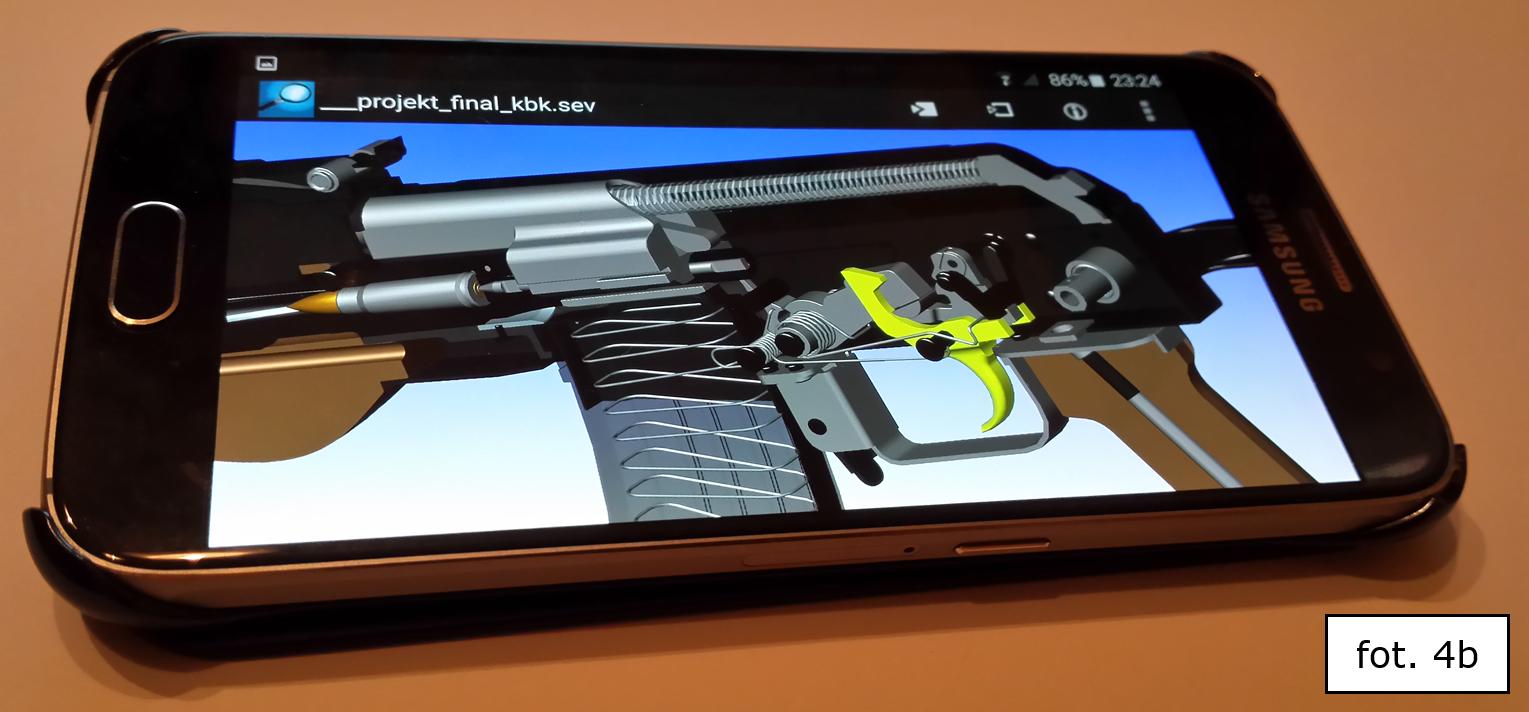 Jeden z ciekawych projektów 'EDU' wykonanych w systemie SOLID EDGE: materiały dydaktyczne CAD 3D/2D do nauki (de)montażu i serwisowania broni palnej wybranego rodzaju - w wersji dla PC (a) oraz dla urządzeń mobilnych (b)