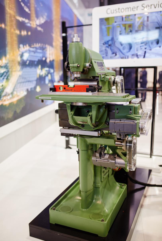 Konwencjonalna maszyna ze sterowaniem Siemens SINUMERIK podczas Targów Mach-Tool 2017