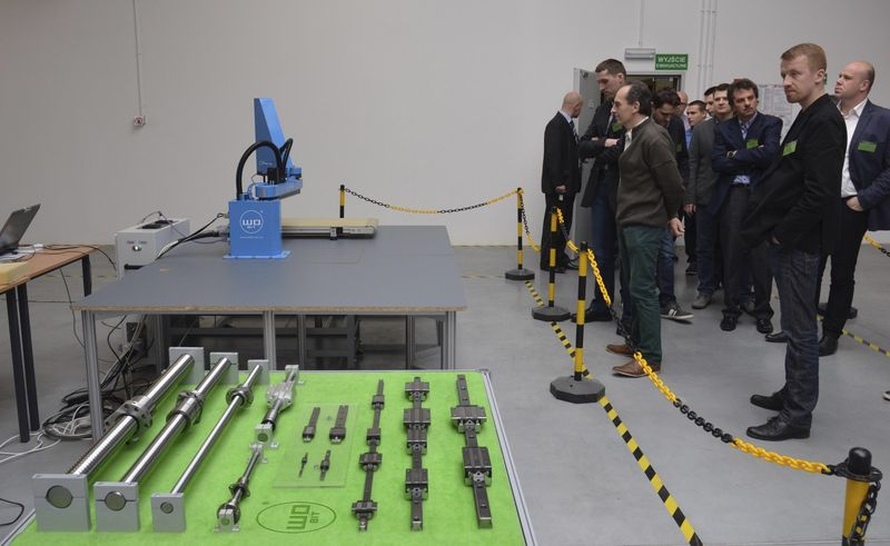 Prezentacja robota przemysłowego WObit