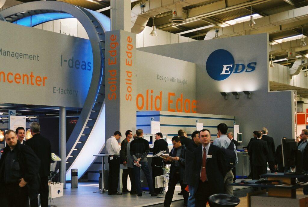 6 Stoisko EDS na targach CeBIT w Hanowerze w 2003 roku